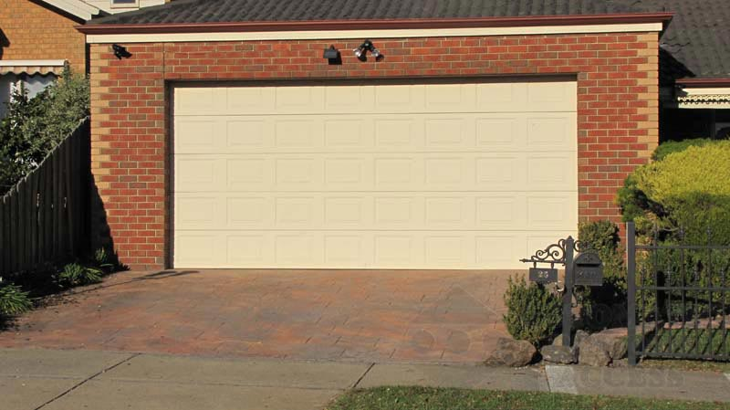 Classic Cream Panel Lift Garage Door