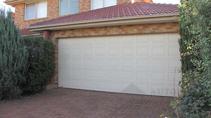 ARA Sectional Garage Door