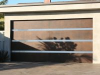 Custom design garage door lunetta